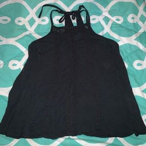 Hollister Small Black High Neck Tank Lace Détails